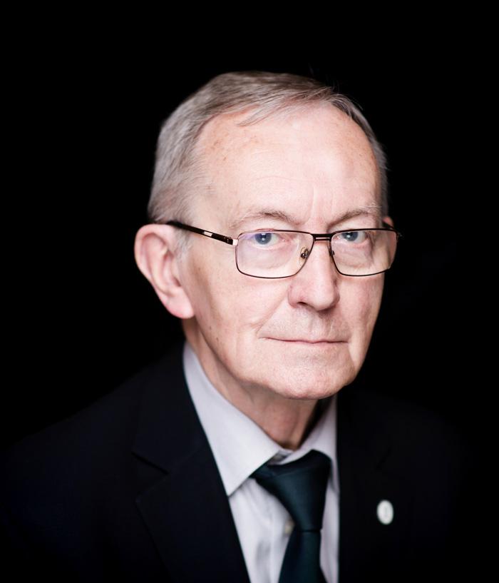 """Prof.Lech Śliwonik laureatem 45. edycji Nagrody im.Oskara Kolberga """"Za zasługi dla kultury ludowej"""""""
