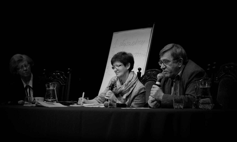 Prof. Anna Kuligowska-Korzeniewska, prof. Grażyna Matyszkiewicz i Jerzy Radziwiłowicz